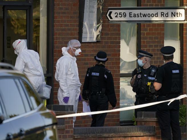 Sir David Amess è stato ucciso «per terrorismo»: chi è il killer