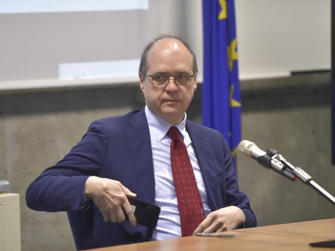 Magrini: «Più vaccinati grazie al green pass,  l'Italia ha fatto bene»