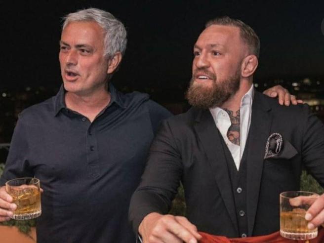 Mourinho-McGregor a Roma, cena e brindisi col whisky sulla terrazza dei Musei Vaticani