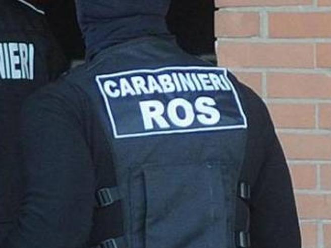 Stalking e minacce alla collega-amante, il Tar reintegra l'ufficiale dei Ros licenziato: «Fatti privati»