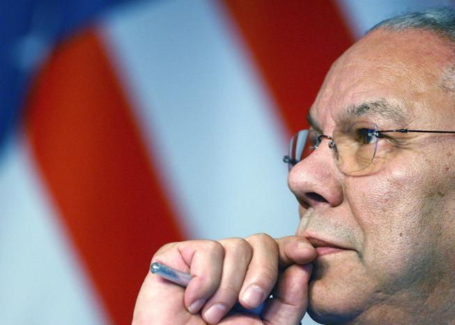 Muore a 84 anni il generale Powell (il solo che pagò le bugie sull'Iraq)