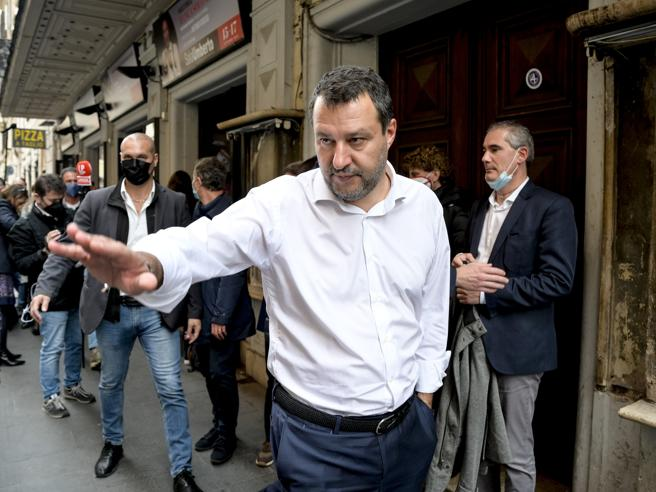 Salvini e l'audio finito sul «Foglio»: «Troppe rotture di co...» da Fratelli d'Italia