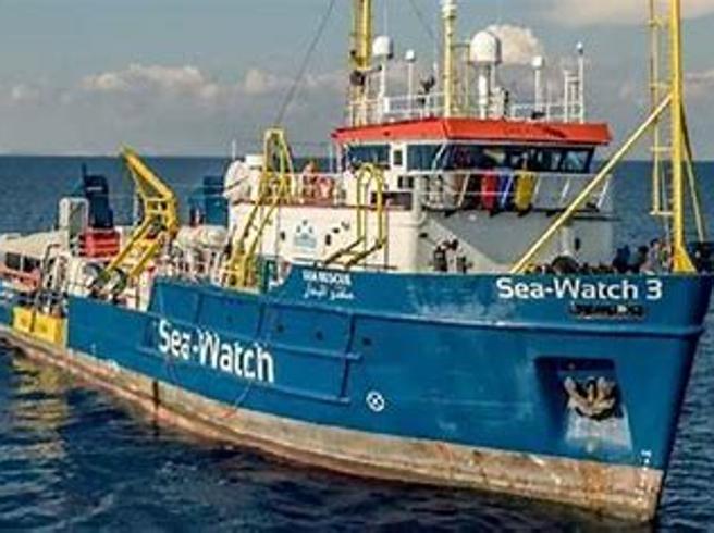 406 migranti arrivati a Pozzallo, la Sea Watch ottiene l'ok dalle autorità