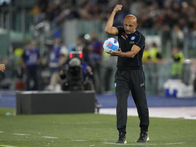Roma Napoli 0 0: partita nervosa, espulsi Mourinho e Spalletti, gli azzurri raggiunti dal Milan