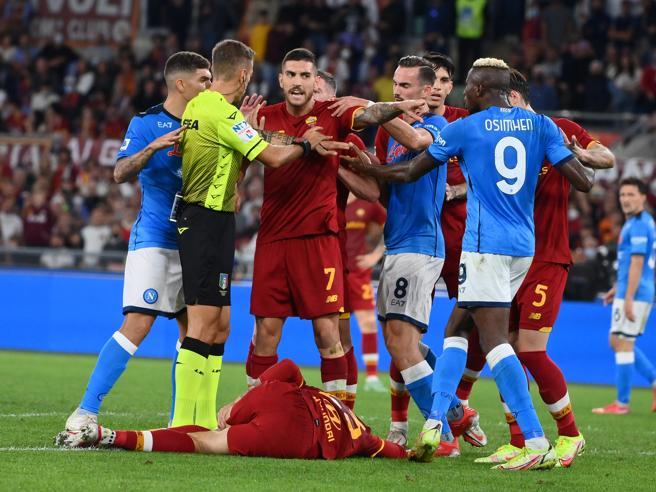 Var, quando intervieni? Comportamenti diversi degli arbitri e Var, da Inter-Juventus a Roma-Napoli e Atalanta-Milan