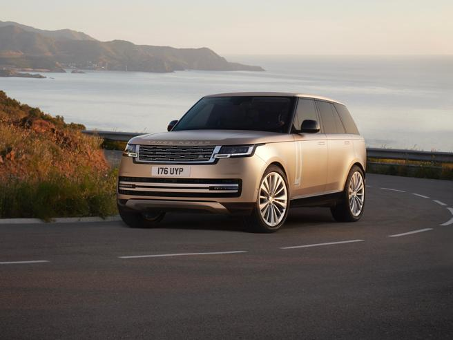 Range Rover 2021: lusso da regine, tecnica da fuoristrada estrema le foto   il video