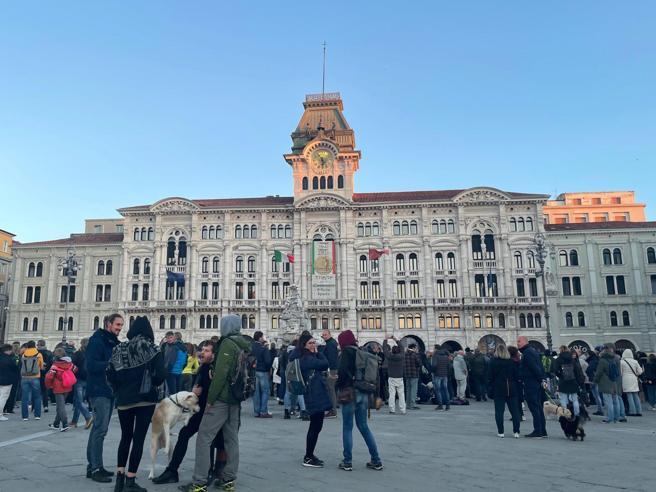 Trieste: focolaio tra i no green pass, nuovo picco di contagi in città