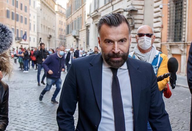 Alessandro Zan e il ddl affossato: «Italia viva alla Camera votò compatta per il sì, oggi flirta con la Lega»
