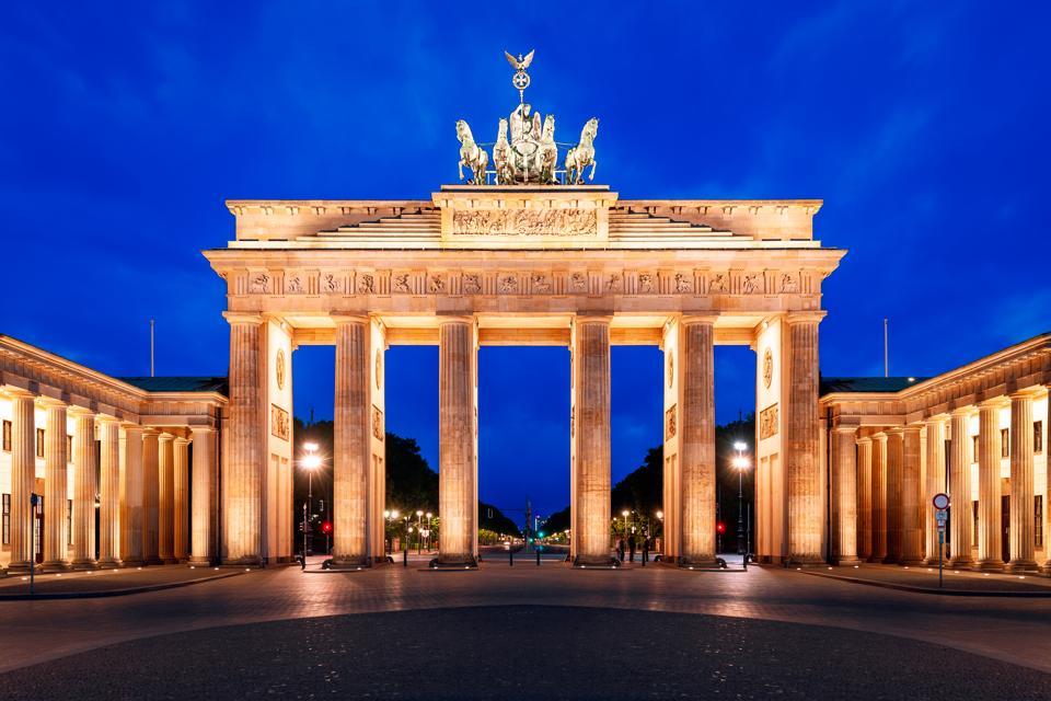 La porta del brandeburgo-getty images