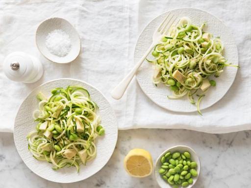 Spaghetti vegetali con pesto e limone