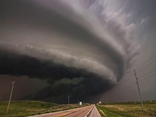 Spaventoso ma affascinante: il timelapse delle tempeste e dei tornado