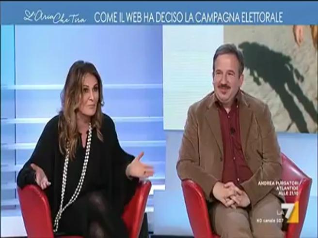 Luca Telese alla Santanché: «Sei di plastica». E lei: «Stai zitto, cafone»