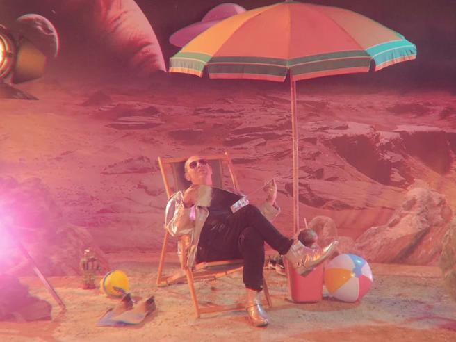 «Una Grande Festa», il nuovo singolo di Luca Carboni