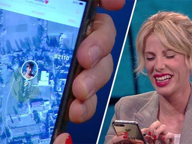 Alessia Marcuzzi a «Che Tempo Che Fa»: «Mio figlio? Lo controllo con un'App. Ora... è nel dormitorio femminile»