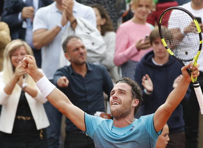 Roland Garros, Cecchinato elimina Djokovic: il punto decisivo