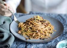 Spaghetti con buzzonaglia di tonno