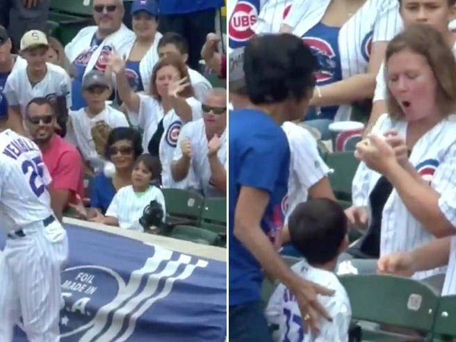 Baseball, tifoso ruba la palla al bambino. Ma poi la storia ha un lieto fine