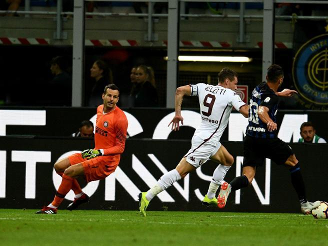 Inter, disastro Handanovic: l'uscita è disastrosa e il Torino segna