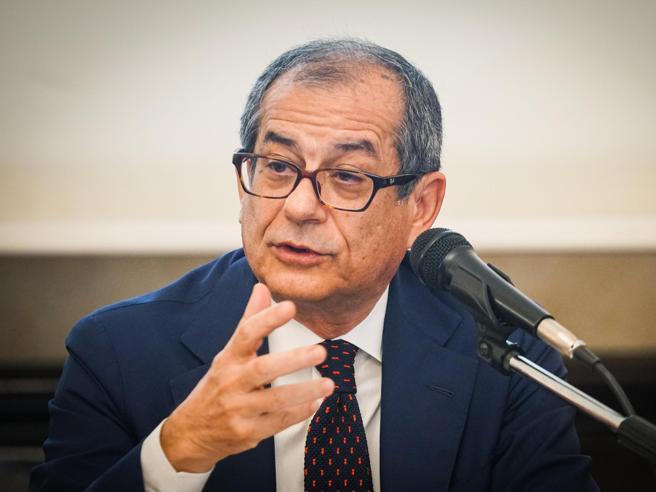 L'Italia e le prospettive economiche, Tria ospite di Confcom