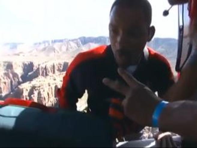 I 50 anni di Will Smith: Bungee Jumping nel Gran Canyon