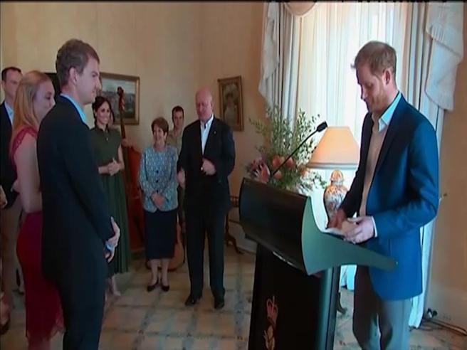 Harry papà, parla in pubblico in Australia e si emoziona quando pronuncia la parola «Baby»