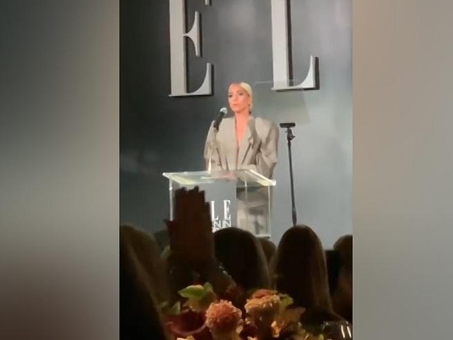Lady Gaga, l'emozionante discorso: «Io da giovane vittima di molestie, nessuna mi ha aiutata»