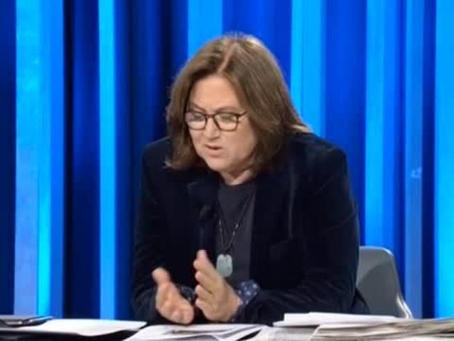 Annunziata a Bonafede: «Sono più puttana o pennivendola?»