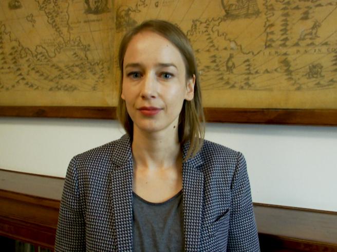 Sibylle Anderl: «Il lavoro dell'astrofisico assomiglia a quello di Sherlock Holmes: le nostre ricerche sono come casi polizieschi»