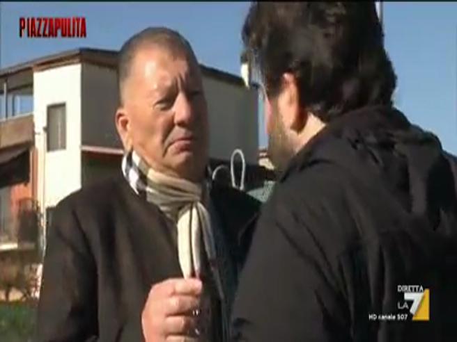 I Casamonica minacciano il reporter: «Prima o poi ti sparano»