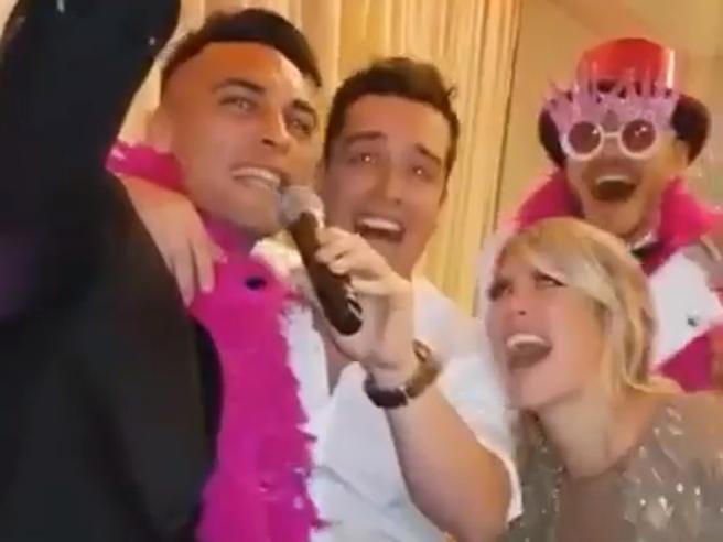 Wanda Nara scatenata alla festa di compleanno. E ci sono anche Mauro Icardi, Martinez e Nainggolan