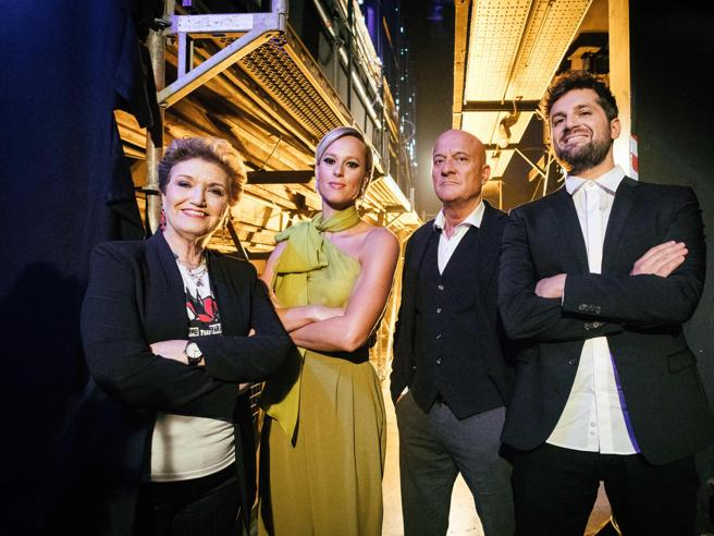 Italia's got talent, il debutto di Federica Pellegrini. Mara Maionchi: «Parolacce' prometto di no»