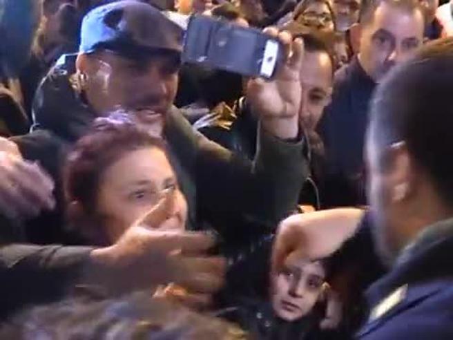 Salvini ad Afragola, un supporter grida: «Elimina Saviano», lui risponde: «Lunga vita a Saviano»
