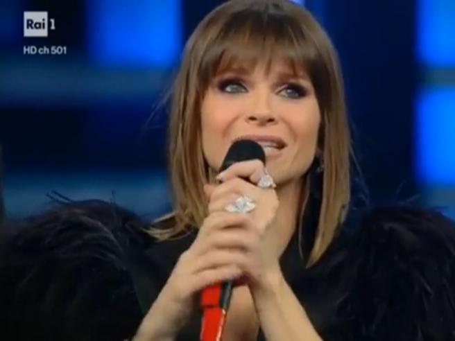 Sanremo 2019: Alessandra Amoroso in lacrime, Tozzi e Raf fanno cantare l'Ariston. La terza serata