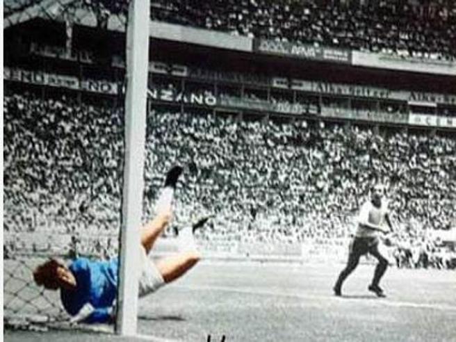 Morto Gordon Banks, l'uomo della « parata del secolo» su Pelé