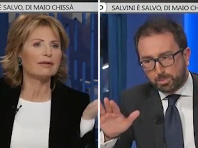 Diciotti, battibecco Gruber-Bonafede: «Quando avete deciso il no allo sbarco?». Il ministro attacca: «Mi fate l'interrrogatorio?»