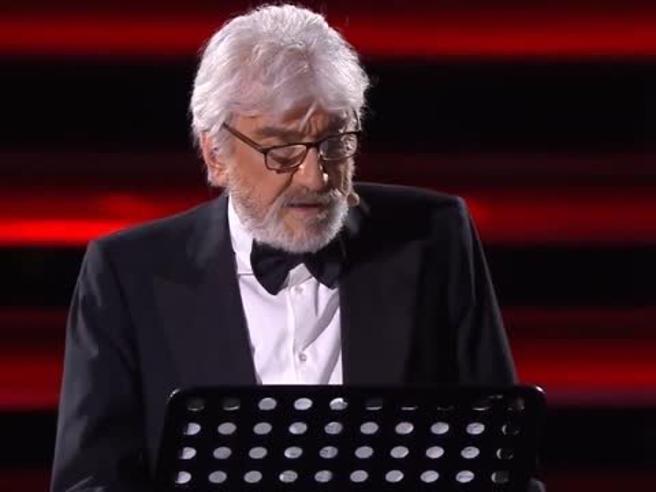 Gigi Proietti a Italia's Got Talent, «interpreta» Achille Lauro ed è esilarante