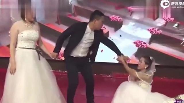 Cina: durante le nozze spunta la ex fidanzata vestita da sposa -VIDEO-