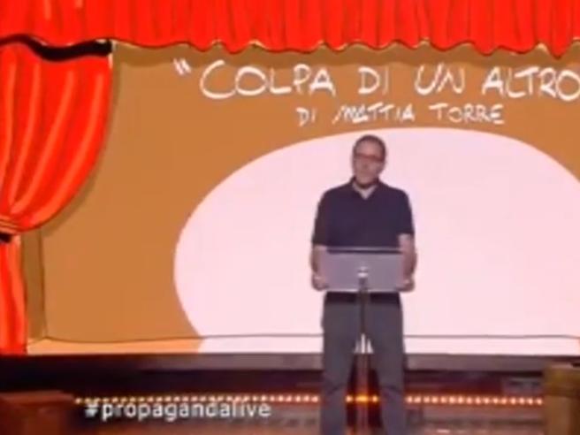 L'amaro monologo di Valerio Mastandrea: «In Italia? È sempre colpa di un altro»