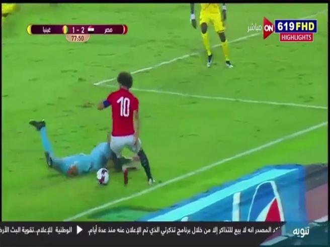 Salah fa impazzire il portiere della Guinea, numero impressionante