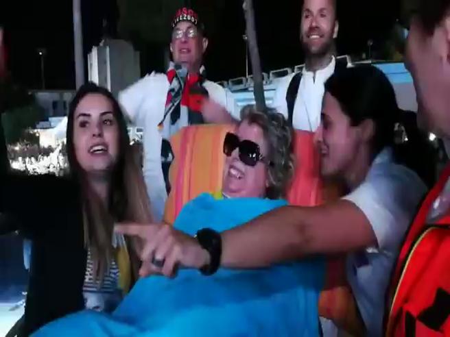 Laura ha realizzato il suo sogno, malata di sclerosi multipla va al concerto di Vasco Rossi a Cagliari