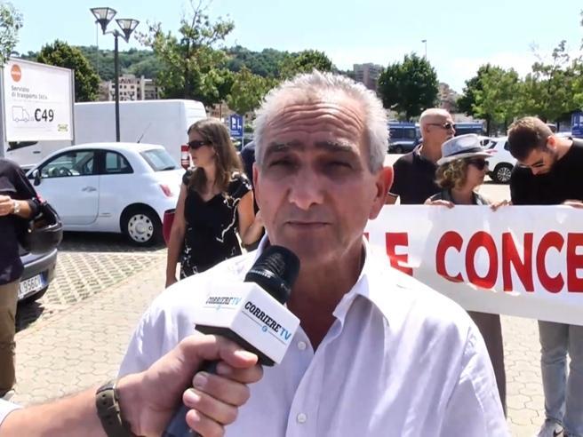 Genova, i familiari delle vittime contro i dirigenti di Autostrade: «A Conte abbiamo detto: o noi o loro»