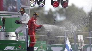 Leclerc primo a Monza con la Ferrari: sul podio esplode la gioia del 21enne