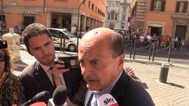 Pd, Bersani: «Renzi? Partito personale porta a sbattere contro un muro»