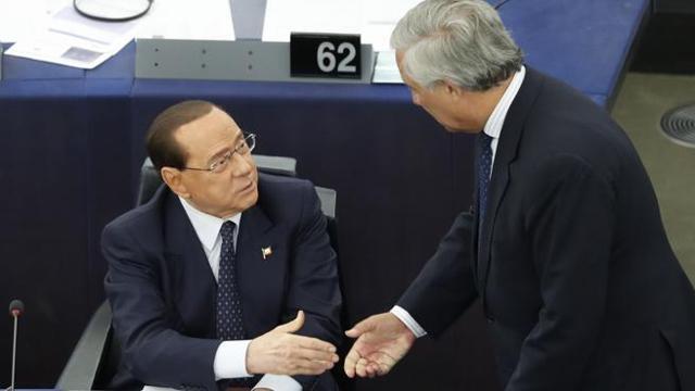Berlusconi: «Prego ogni sera affinché questo governo cada»