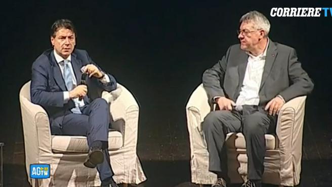 Lecce, il premier Conte incontra Landini e risponde alle domande dei lavoratori Diretta video