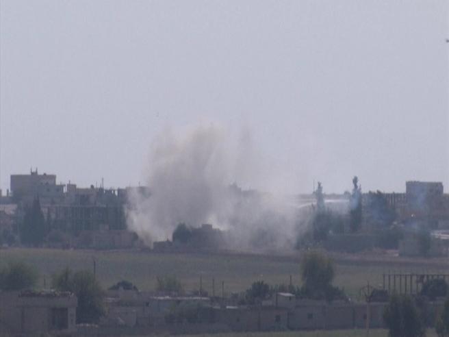 «Ancora bombe e fumo nero, abbiamo visto bruciare un camioncino pieno di morti»Il racconto dell'inviato in Siria