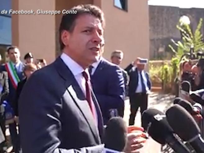 Siria, Conte: «Italia capofila sullo stop alle armi», poi perde la pazienza con il cronista: «Mi faccia rispondere»