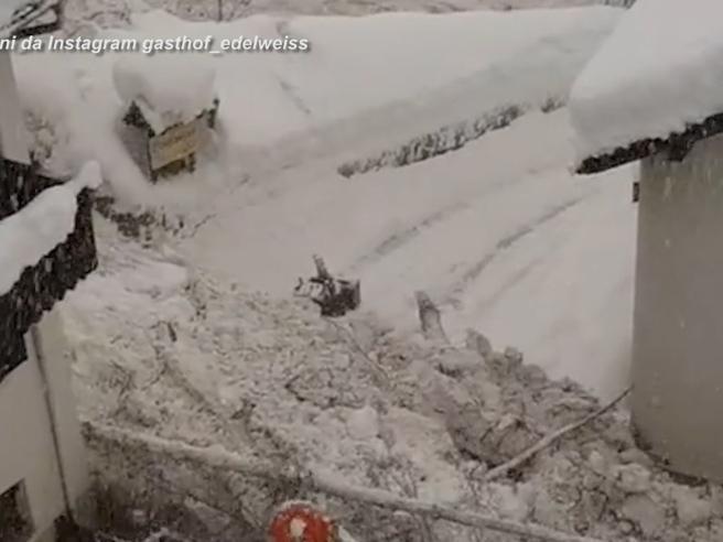Maltempo in Val Martello: il video della valanga che avanza