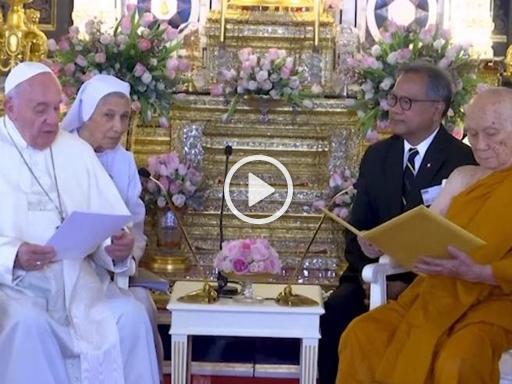 Papa Francesco incontra il Patriarca buddista in Thailandia