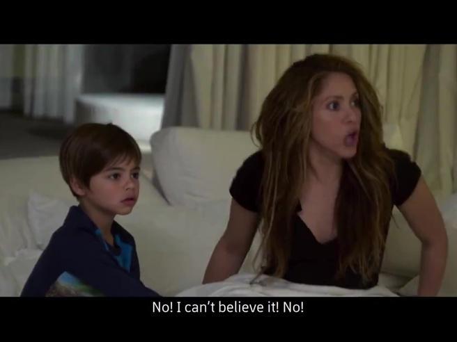 La reazione di Shakira mentre vede il 4-0 del Liverpool sul Barcellona